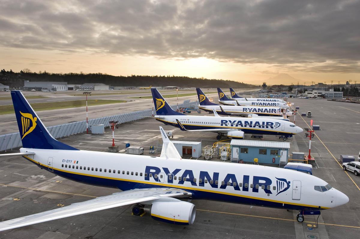 """""""Tajfun"""" doprovodil letadlo společnosti Ryanair k přístání na letišti Stansted"""