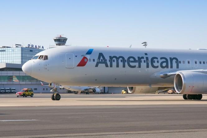 thumbnail_American Airlines_Prague Airport_1