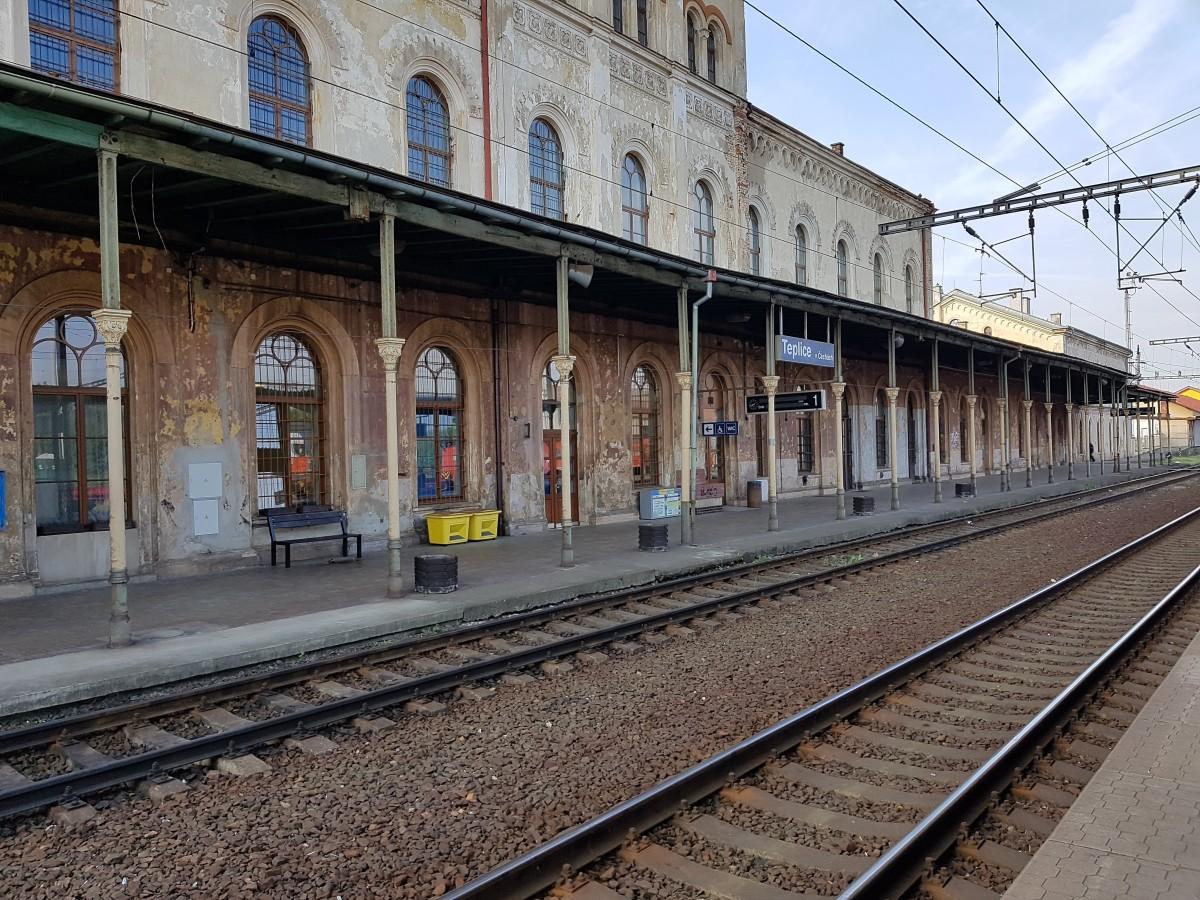 Cesta z města: lidé v ČR ani netuší, jak dobrou dopravní obslužnost mají